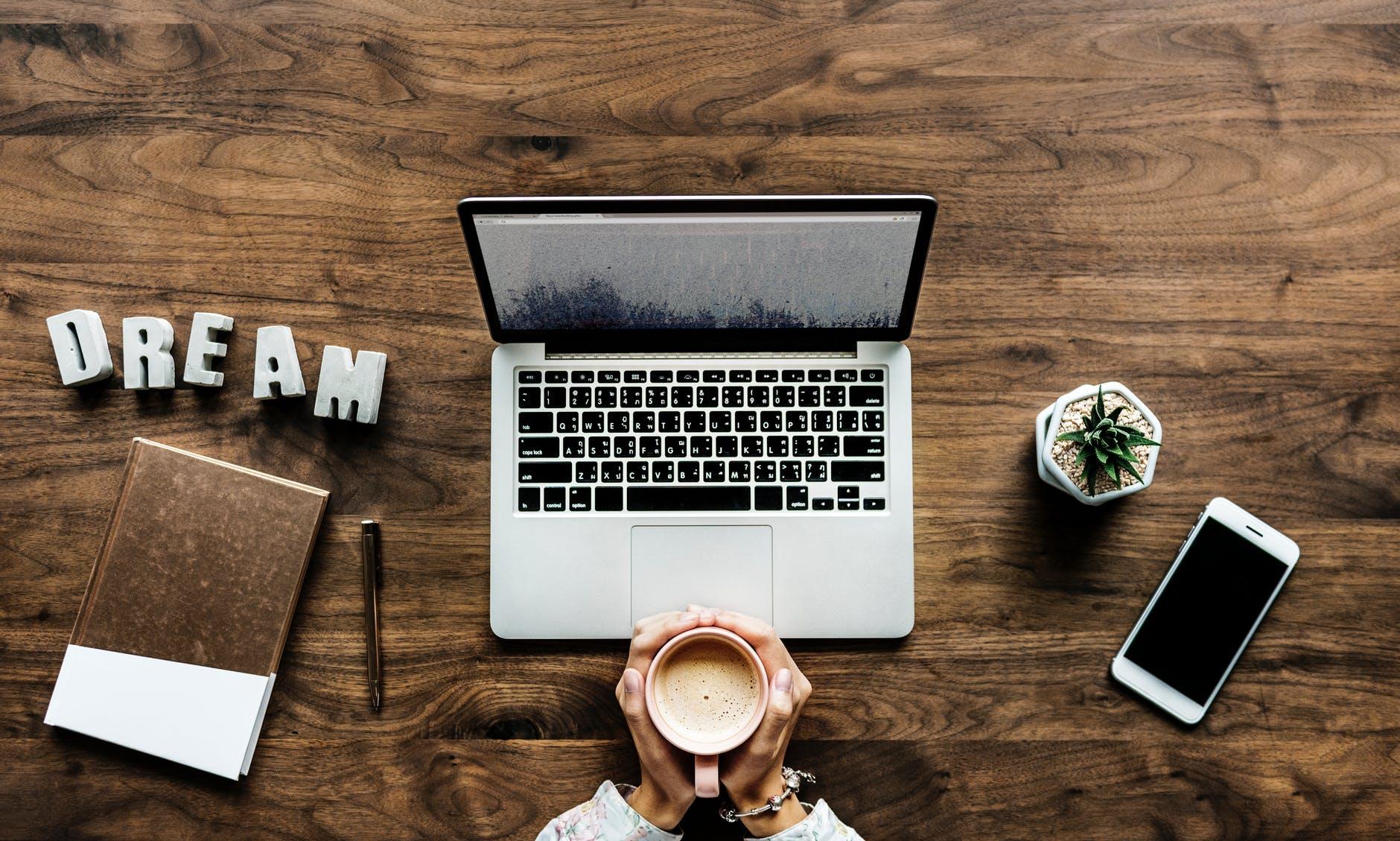 conseils pour lancer un blog. Comment créer un blog ? comment le monétiser ? comment se faire connaitre ?