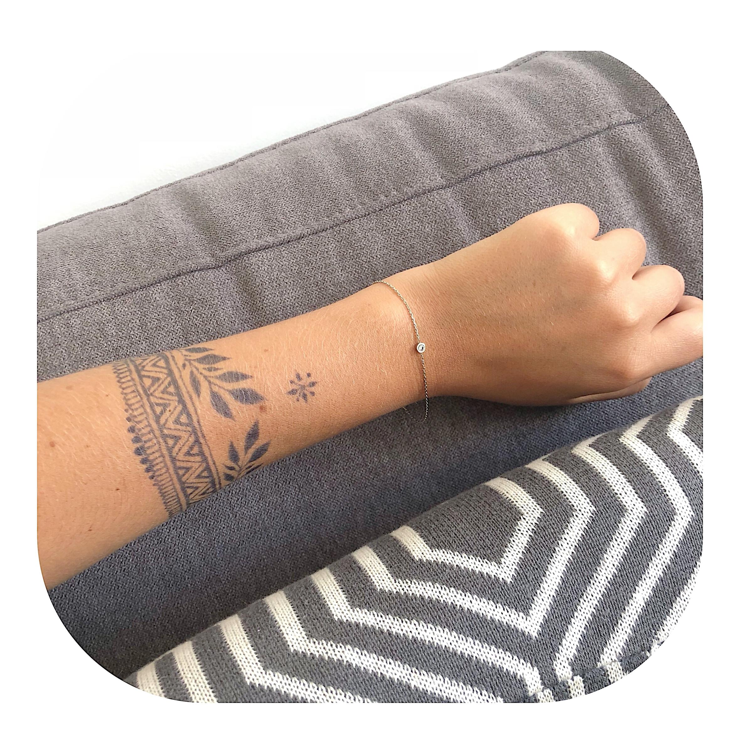 Zoom sur le tatouage au jagua.